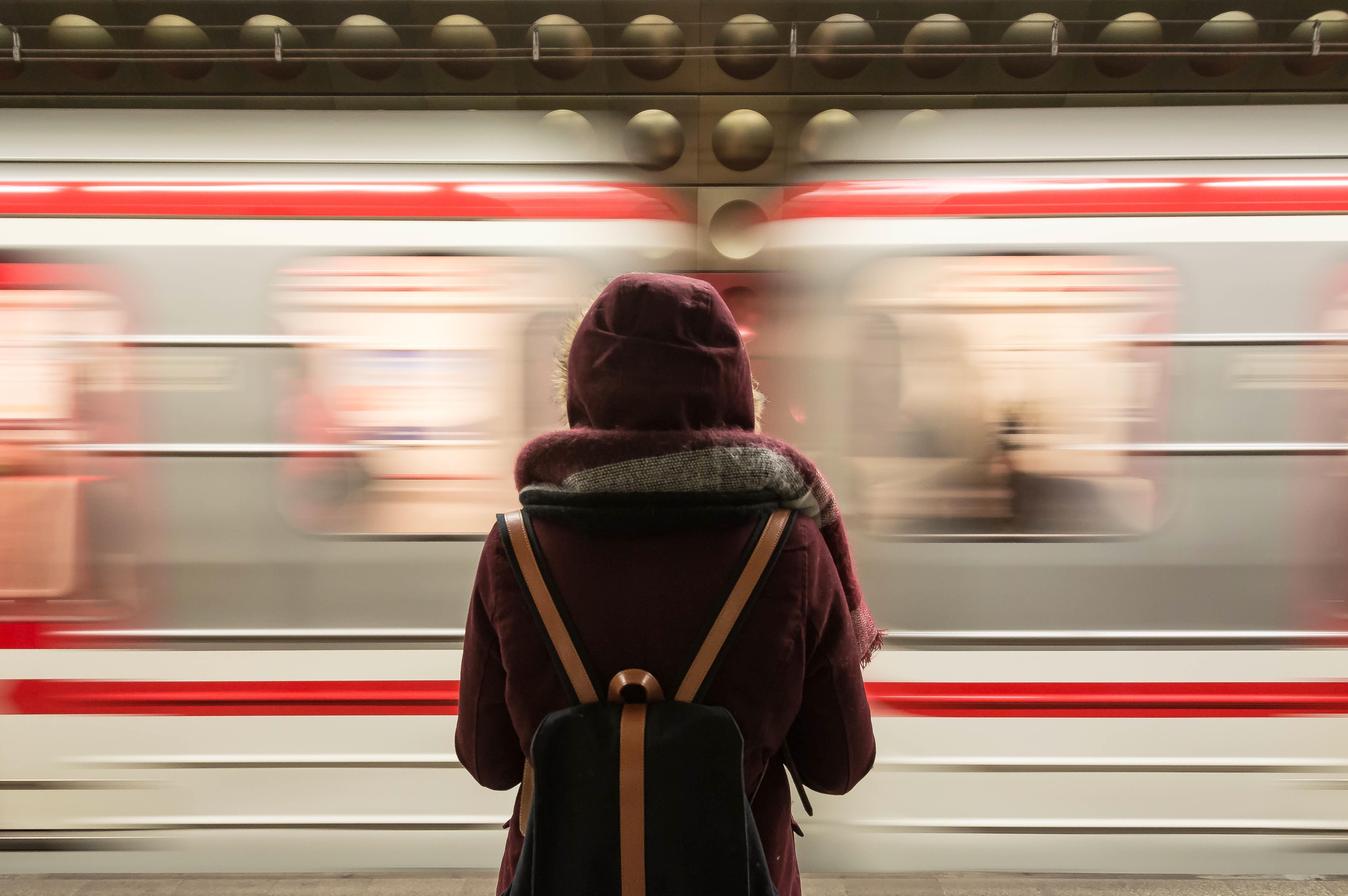 4-stap-uit-de-sneltrein-der-verwachtingen-en-neem-de-stoptrein-naar-jezelf